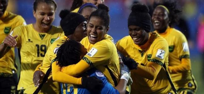 La lotta non si ferma per le Reggae Girlz